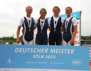 Johanna Reichardt, Eva-Lotta Nebelsieck (RG Hansa), Larissa Richter (RC Tegel) und Marion Reichardt