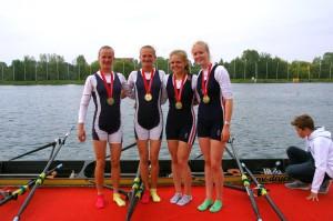 Johanna & Marion Reichart mit Lina Hillers und Hilke Bruns (RG HANSA e.V . / RC Bergedorf)